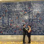 ここでプロポーズもありかも!?パリ「ジュテームの壁」で世界中の愛を!