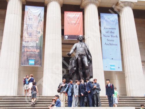 フェデラルホール前のリンカーン像