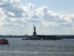 ガバナーズ島から自由の女神