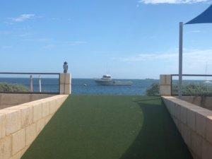 海を見ながらロブスター